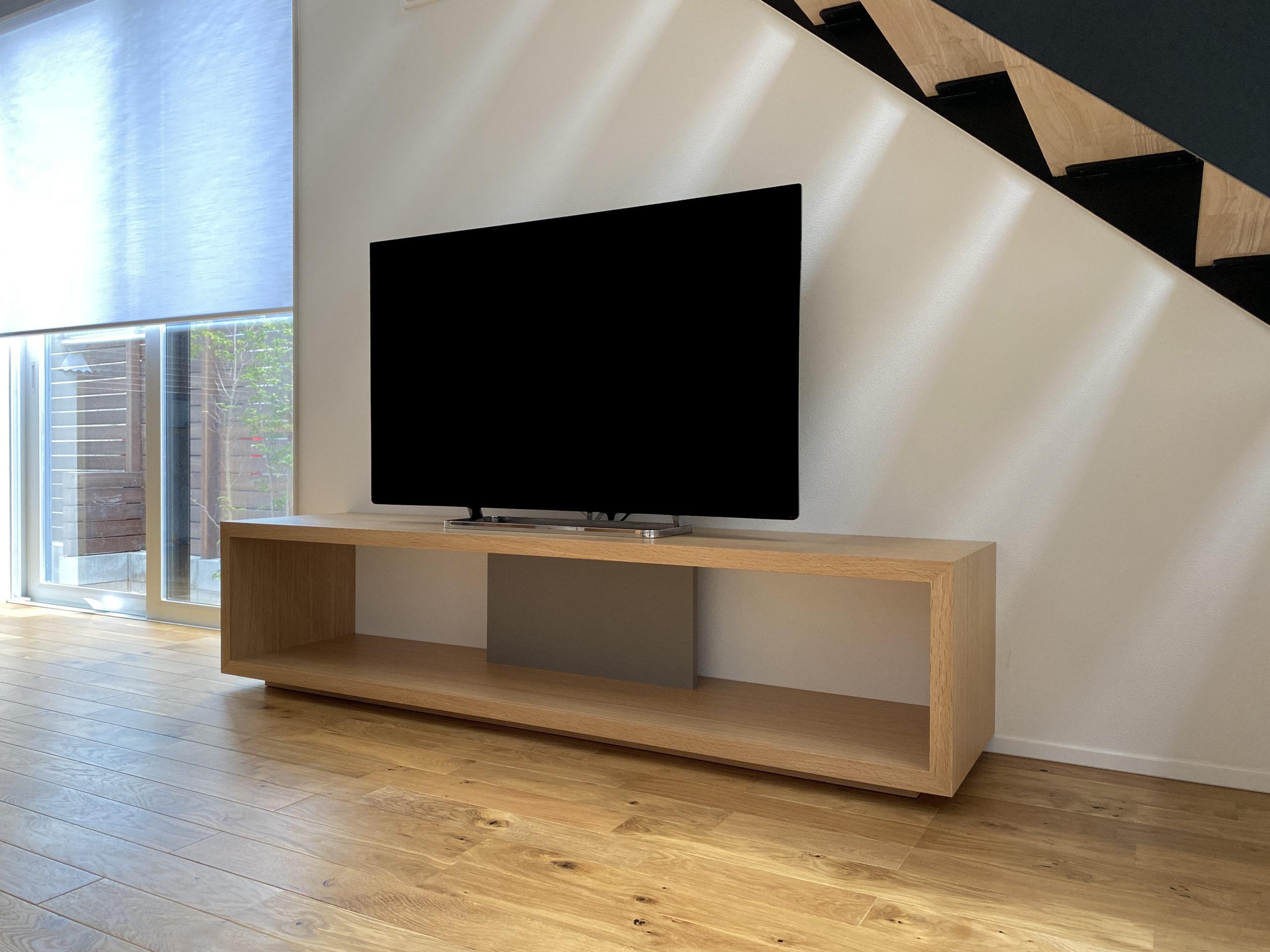 シンプルなTVボード